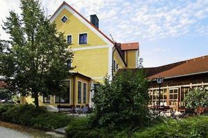 Hotel Landgasthof Gschwendtner, Hotely  Allershausen - big - 1