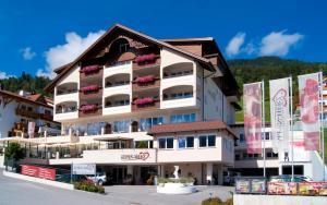 Alpen-Herz Romantik & Spa - Adults Only, Szállodák  Ladis - big - 64