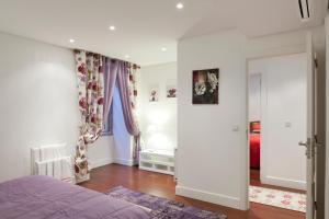 Lisbon Rentals Chiado, Apartments  Lisbon - big - 42