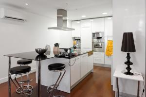 Lisbon Rentals Chiado, Apartments  Lisbon - big - 9