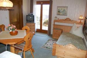 Haus Elfriede, Апартаменты  Мильстат - big - 15