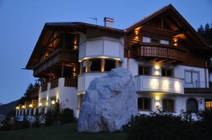 Garni Hotel Mirabel - AbcAlberghi.com