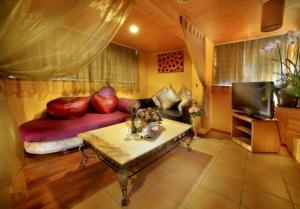 Sun Moon Lake Honeymoon Hotel, Szállodák  Jücsi - big - 9