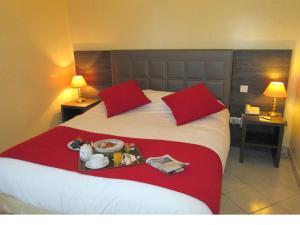 Hôtel Ariane, Hotely  Istres - big - 33