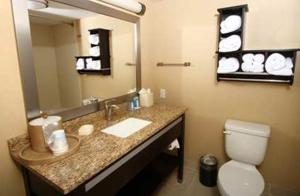 Hampton Inn Daytona Beach/Beachfront, Отели  Дейтона-Бич - big - 6