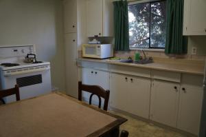Queen Suite with Kitchen
