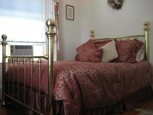 Historic Hill Inn, Bed and Breakfasts  Newport - big - 29