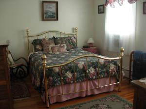 Historic Hill Inn, Bed and Breakfasts  Newport - big - 28