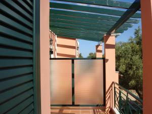 Ionian Breeze Studios, Apartments  Lefkada Town - big - 81
