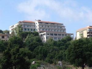 Monte Bello Hotel