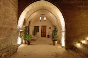 Fairyland Cave Hotel