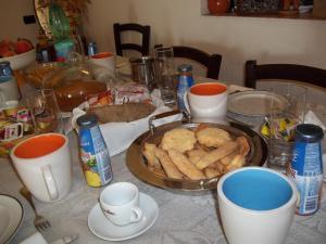 Il Vecchioliveto di Ornella, Bed & Breakfasts  Marrùbiu - big - 6
