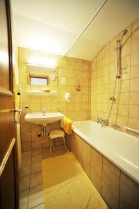 Thermal-Badhotel Kirchler, Hotels  Tux - big - 28