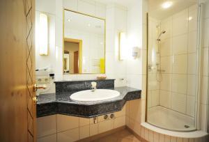 Thermal-Badhotel Kirchler, Hotels  Tux - big - 7
