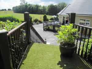 Riverside Lodge B&B, Bed and Breakfasts  Carlingford - big - 58