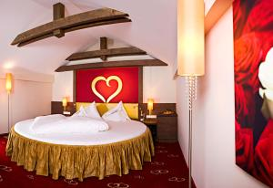 Alpen-Herz Romantik & Spa - Adults Only, Hotely  Ladis - big - 7