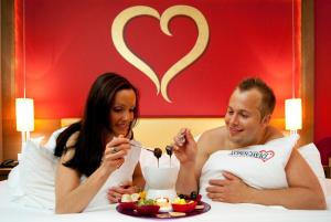 Alpen-Herz Romantik & Spa - Adults Only, Hotely  Ladis - big - 23