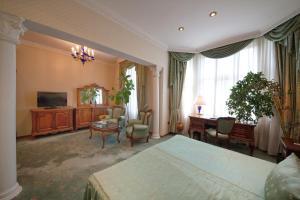 Grand Hotel London, Отели  Варна - big - 6