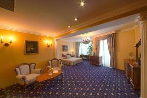 Grand Hotel London, Отели  Варна - big - 7