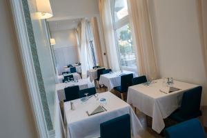 Hotel Helios - Ile des Embiez, Отели  Сис-Фур-Ле-Пляж - big - 64