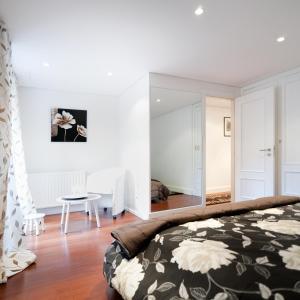 Lisbon Rentals Chiado, Apartments  Lisbon - big - 106