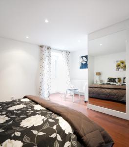 Lisbon Rentals Chiado, Apartments  Lisbon - big - 107