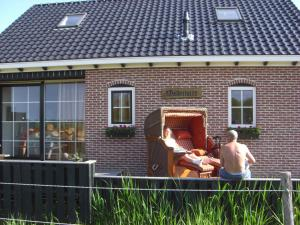 Waddenstee, Case vacanze  Westernieland - big - 5
