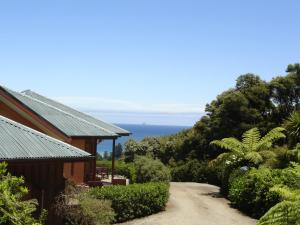 Earthsong Lodge, Chaty v prírode  Tryphena - big - 1