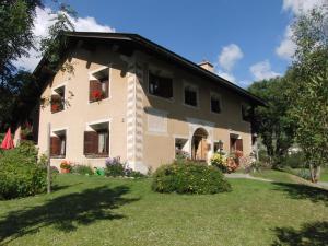 Chesa Viletta, Apartments  La Punt-Chamues-ch - big - 61