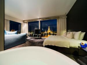 Wat Arun River View Suite