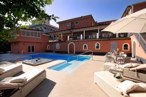 Hotel Monte Rosa - AbcAlberghi.com