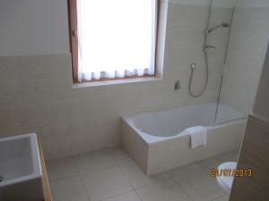 Residence Clara, Apartmánové hotely  San Vigilio Di Marebbe - big - 28