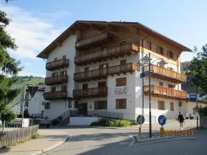 Residence Clara, Apartmánové hotely  San Vigilio Di Marebbe - big - 1