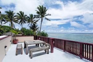 Raro Beach Bach, Holiday homes  Rarotonga - big - 2