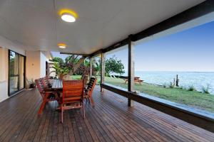 Raro Beach Bach, Holiday homes  Rarotonga - big - 6