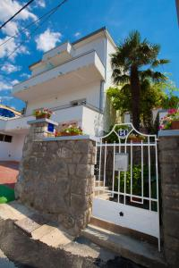 Apartments Gloria, Apartmány  Crikvenica - big - 44
