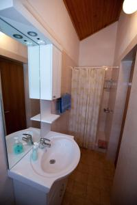 Apartments Gloria, Apartmány  Crikvenica - big - 5