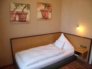 Landhotel Zum Niestetal, Hotely  Kassel - big - 4