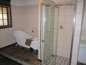 Standard Honeymoon Suite