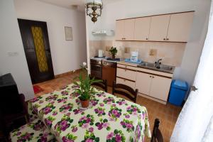 Apartments Gloria, Apartmány  Crikvenica - big - 18