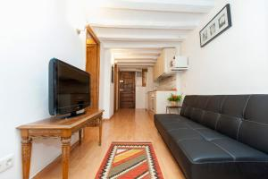 Two-Bedroom Apartment-Cortines