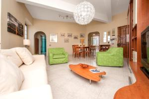 Villa Savoia, Apartments  Marino - big - 5