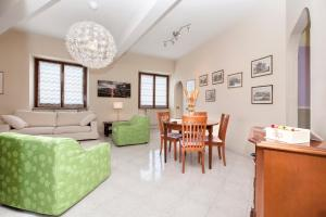 Villa Savoia, Apartments  Marino - big - 4