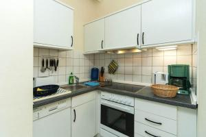 Ferienwohnungen Reetwinkel in Wieck, Apartments  Wieck - big - 33