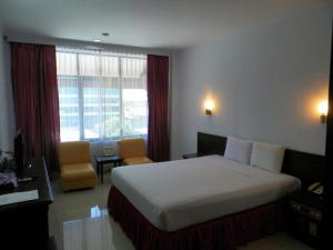 Hotel Prima, Хостелы  Макасар - big - 14