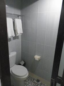 Hotel Prima, Хостелы  Макасар - big - 10