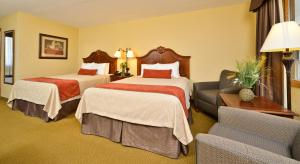 Queen Room with Two Queen Beds and Pool View - Ground Floor