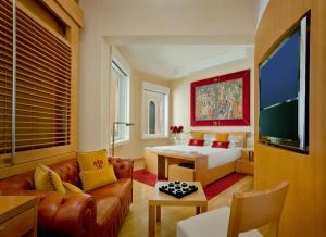 Richard Meier Executive Suite