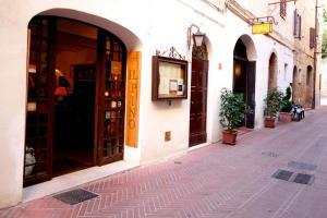 Locanda Il Pino - AbcAlberghi.com