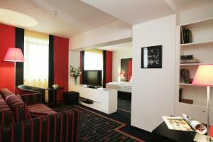 Vienna House Easy Airport Bucharest, Hotely  Otopeni - big - 5